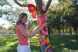 Yarn bomber at work